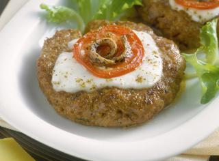 Hamburger di manzo guarniti