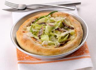 Ricetta Pizza bianca con mozzarella e acciughe