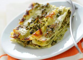 Pasticcio di lasagne ricce con ragù bianco