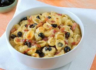 Ricetta Gratin di pasta, pancetta e olive