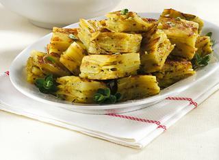 Frittata di patate, piselli e cipolle