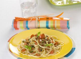 Spaghetti con pomodorini marinati