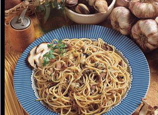 Ricetta Spaghetti funghi e vongole