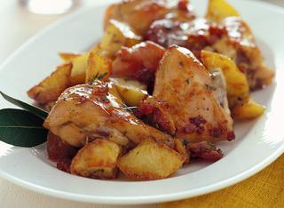 Coniglio al forno con le patate