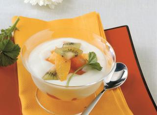 Crema di yogurt e frutta