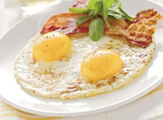Uova al tegamino con bacon