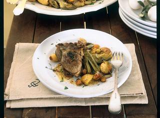 Agnello al forno con verdure miste