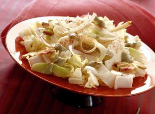 Insalata di verdure bianche