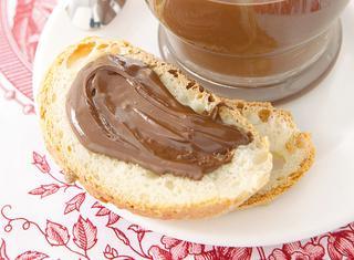 Crema spalmabile di cioccolato e nocciole