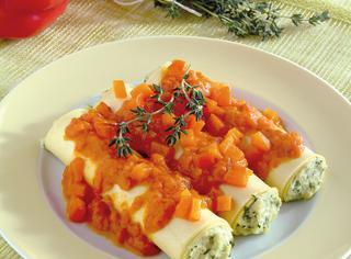Ricetta Cannelloni di pasta fresca ripieni di pollo ai peperoni