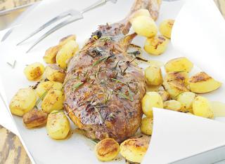 Cosciotto di tacchino al forno con patate