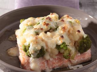 Salmone gratinato con broccoli