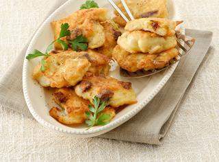 Ricetta Frittelle di stoccafisso, pinoli e prugne secche