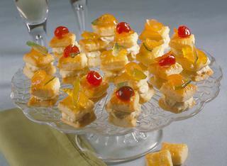 Biscottini salati farciti alla crema di formaggi e mostarda
