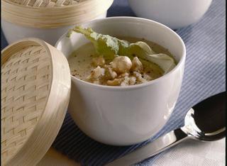 Crema di cavolfiore e patate con nocciole