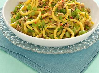 Spaghetti vongole e sedano