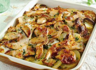 Ricetta Teglia di funghi porcini e patate gratinata in forno