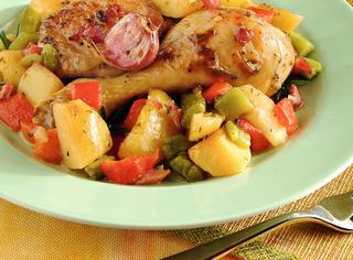 Pollo al forno con patate e aromi
