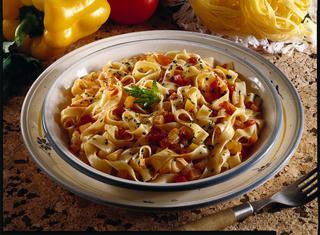 Tagliatelle al sugo di peperoni