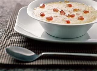 Zuppa di porri e patate al formaggio con melagrana