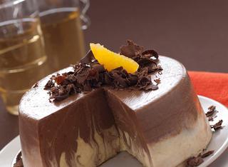 Bavarese al cioccolato e liquore marmorizzata