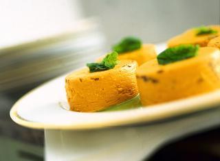Sformatini di carote alla crema di spinaci