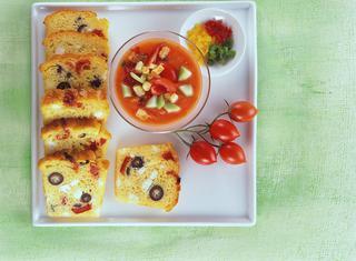 Ricetta Gazpacho all'aglio fresco