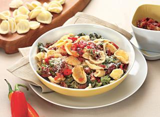 Orecchiette con cime di rapa e pomodori