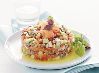 Tartare di verdure con salmone