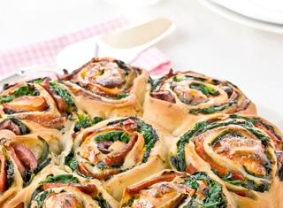 Ricetta Torta di rose al salame