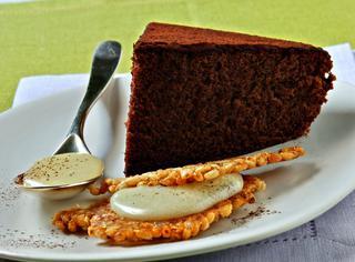 Ricetta Torta di cioccolato con croccante e crema