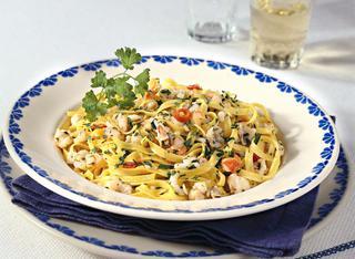 Ricetta Tagliolini con ragù bianco di mare