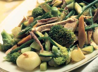 Insalata di gallina e verdure bollite