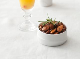 Amaretto orange con mandorle salate