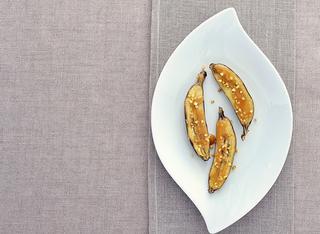 Bananine con salsa mou