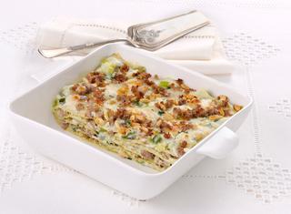 Ricetta Lasagne verdi con cipollotti e salamella