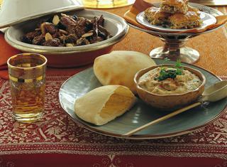 Hummus con pane pita (Libano)