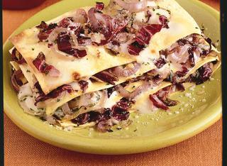 Lasagne con radicchio e cipolle rosse