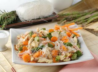 Ricetta Spaghetti di soia pollo e verdure