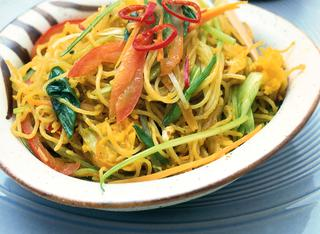 Spaghetti di riso piccanti