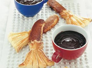 Scopette dolci con fonduta di cioccolato