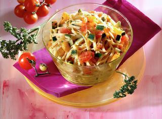 Tagliolini con dadolata di verdure
