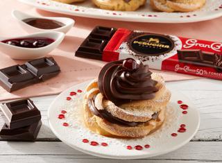 Zeppole al forno con crema al cioccolato
