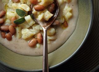 Gnocchetti di patate con passato di fagioli bruni