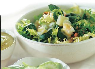 Come fare l'insalata di gamberetti al cetriolo