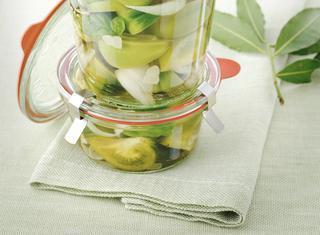 Ricetta Pomodori verdi sott'aceto con cipolle