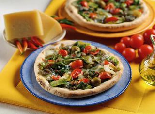Pizza di scarola ai pomodorini