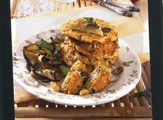 Frittata ripiena di riso e pollo al curry