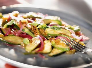 Ricetta Zucchine in agrodolce con menta e uvetta