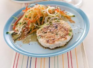 Hamburger di pollo con verdurine